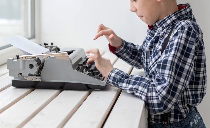 Foto 1 - Golmayo invita a sus jóvenes escritores a la redacción de un relato colectivo
