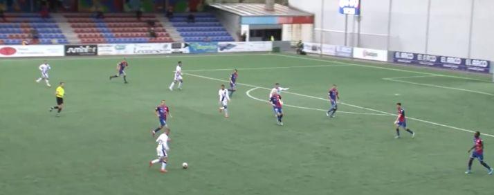 Foto 2 - Directo: un Numancia muy nervioso acaba entregando el partido a un Langreo con 10 jugadores (1-1)