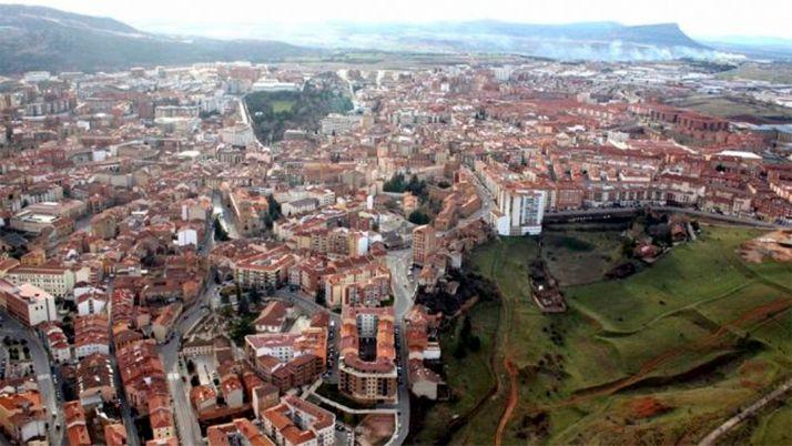 Una imagen aérea de la ciudad.