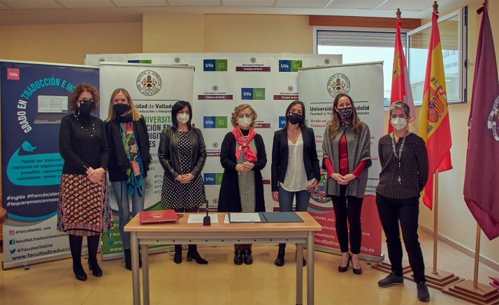 El equipo docente de la facultad en Soria. /TO
