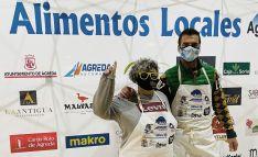 Charo Val y Andrés Santamaría en la edición de 'Alimentos Locales' celebrada en Ibi.