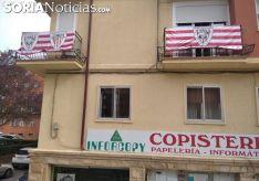 Imagen de archivo de varios balcones en Soria con la bandera del Athletic.