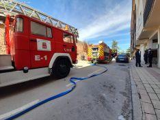 Equipos de emergencias en la calle Antolín.