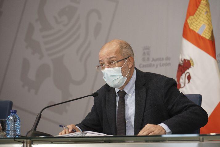 Foto 1 - Igea alerta que una carrera autonómica por la vacuna rusa sería el fin de España como nación
