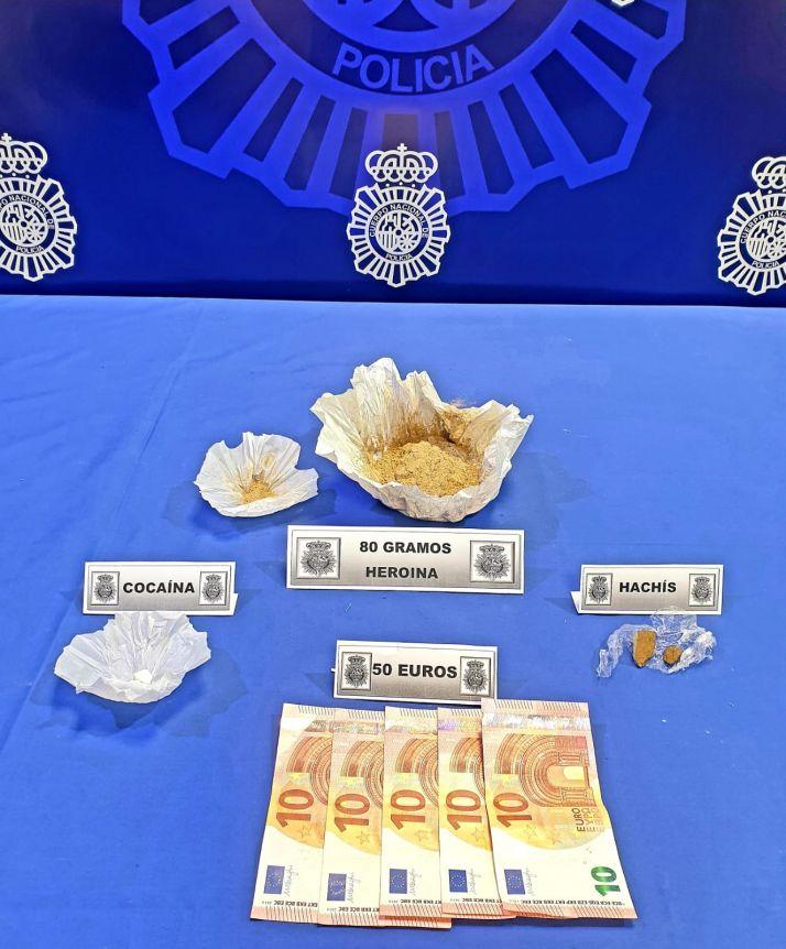 Foto 1 - Detenida una pareja en Valladolid por dedicarse presuntamente a la venta de heroína