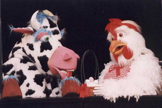 Instante de la obra 'La gallina Marcelina y la casa de chocolate'.