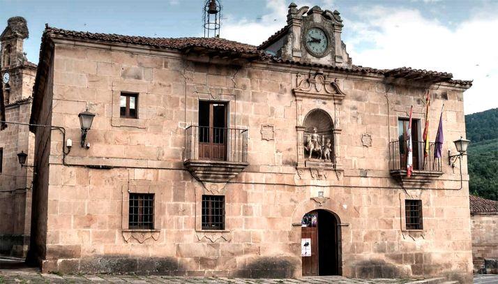 Una imagen del ayuntamiento de Molinos de Duero.