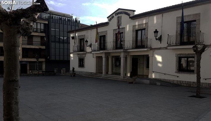 Imagen de la casa consistorial de la localidad pinariega. /SN