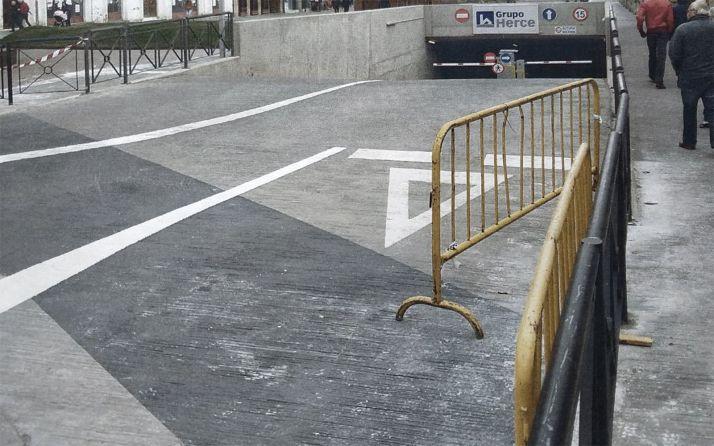Foto 1 - Los vecinos del Espolón y adyacentes piden la reapertura del paso peatonal junto al parking