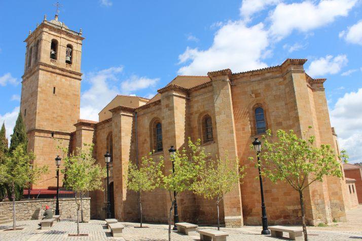 El obispo presidirá una misa en la concatedral de San Pedro.