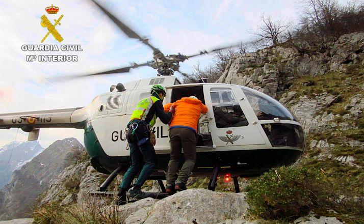 Foto 1 - Rescatados dos montañeros enriscados en Picos de Europa
