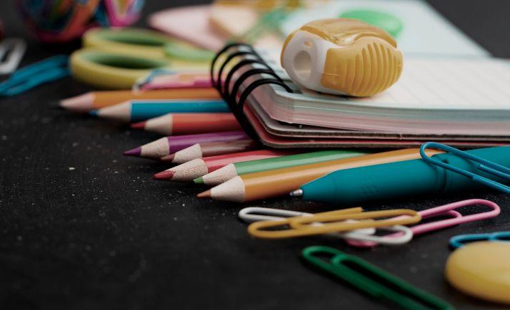 Foto 1 - Dictaminadas 240 ayudas municipales a familias con niños de 0 a 6 años por 24.386 € para material escolar y guardería