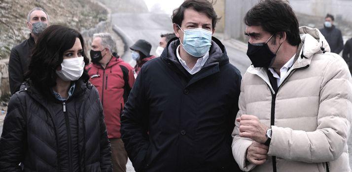 Ayuso, Mañueco y Suárez-Quiñones en las instalaciones este viernes. /Jta.