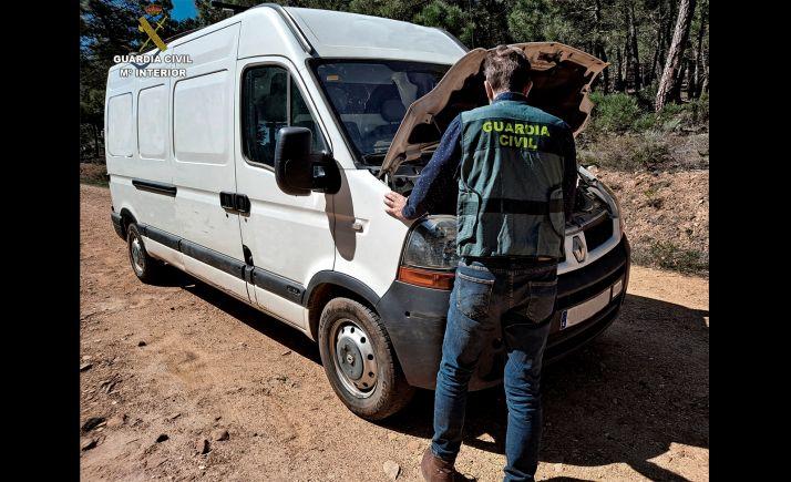 Foto 1 - Detenidas dos personas por el robo de dos perros y una furgoneta en León
