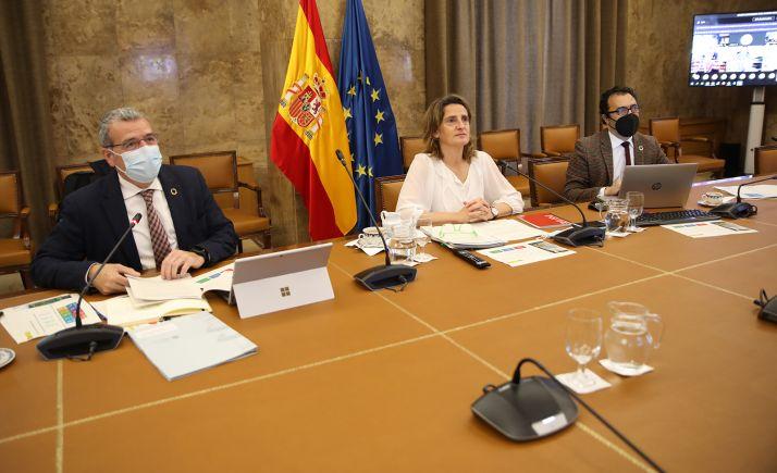 La ministra, durante la reunión con los distintos colectivos. /MITECO