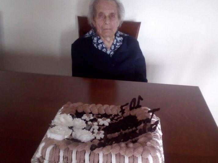 Foto 2 - ¡Tomasa cumple 107 años!