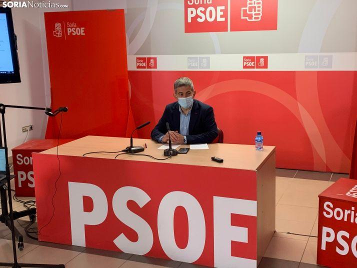 Imagen de la rueda de prensa de Javier Antón esta mañana.