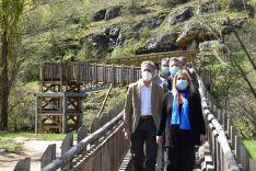 Foto 3 - El Parque del río Lobos cuenta ya con una nueva pasarela y un sanitario ecológico
