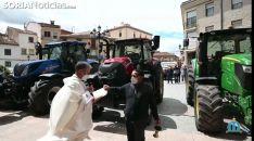 Bendición de maquinaria agricola en Ágreda el día de San Isidro Labrador.