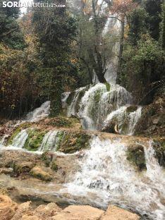 Cascada de La Toba, antiguos jardines de La Monjía.