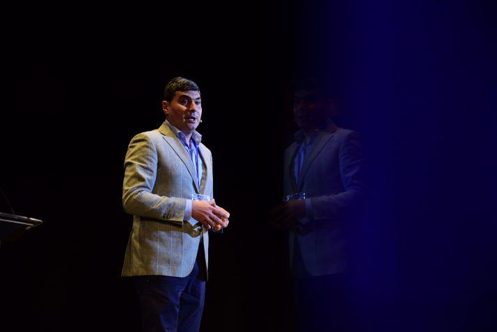 Óscar Abellón durante el Primer Encuentro Educativo 'Llévate el Éxito'.