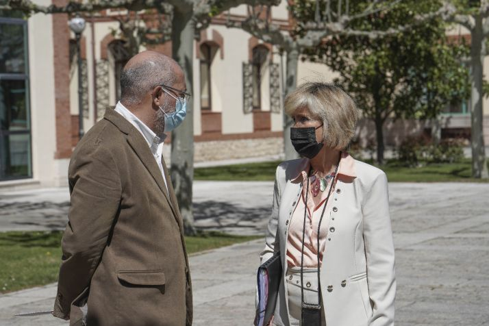 Igea y Casado a la salida de una de sus reuniones sobre el Coronavirus.