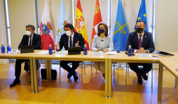 Foto 1 - Castilla y León anuncia medidas judiciales si el Gobierno no cambia la decisión de incluir al lobo en el LESPRE