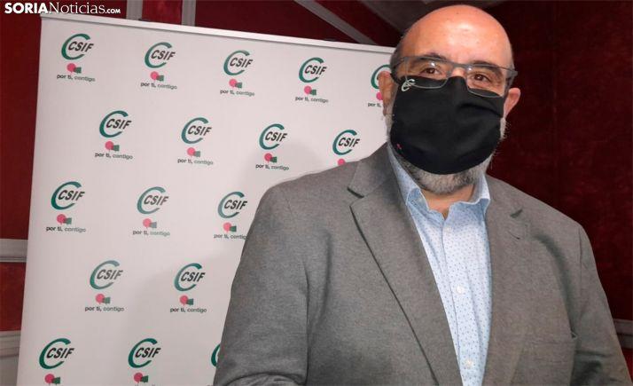 Miguel Borra, en el Casino, previa a una reunión con responsables del sindicato en Soria. /SN