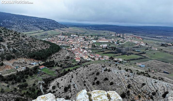 Cabrejas del Pinar se luce desde las alturas.