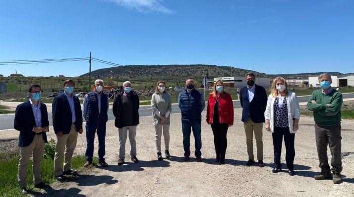 Imagen del encuentro mantenido esta mañana en el polígono de Cabrejas del Pinar./ Foto: PP Soria.