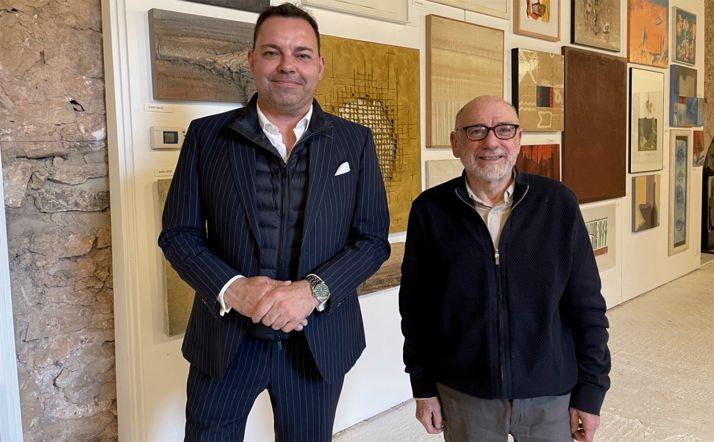 José María Viejo, director de la Fundación Obra Social de Castilla y León (FUNDOS) y Miguel Tugores una vez celebrado el acto.