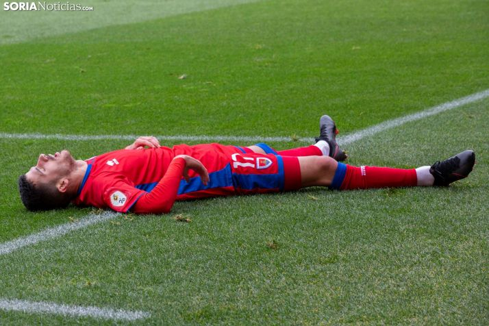 Foto 1 - Racing de Ferrol 1-1 Numancia. Punto insuficiente que acerca al abismo