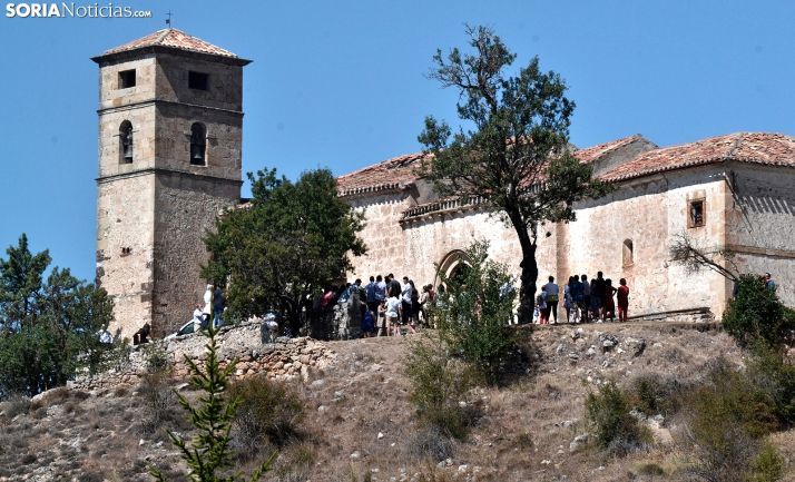 Una imagen de la ermita en un día de romería. /SN