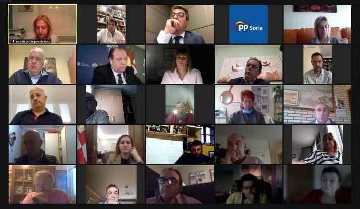Una imagen de la reunión telemática matenida por responsables del partido.