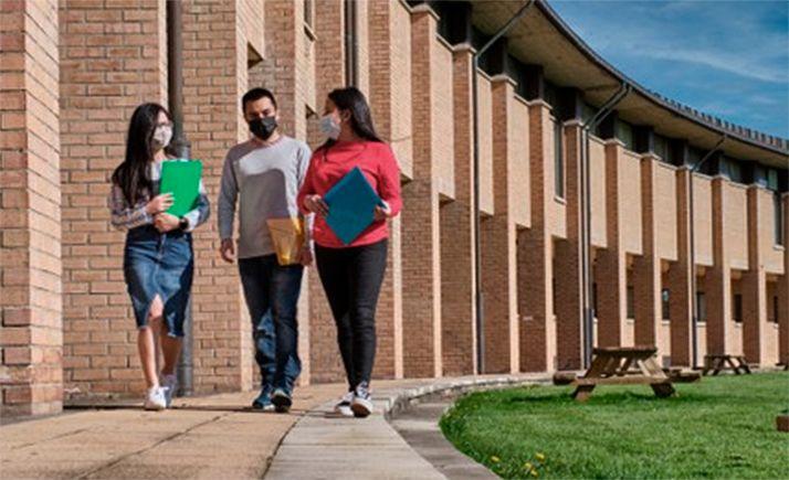 Foto 1 - La Junta convoca ayudas destinadas a extranjeros residentes en Castilla y León para homologar y convalidar estudios