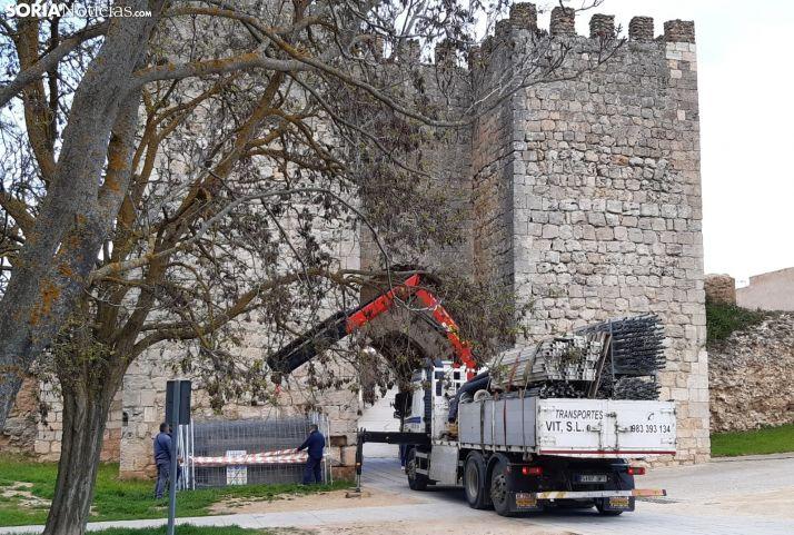 Arrancan las obras en la muralla de Almazán.