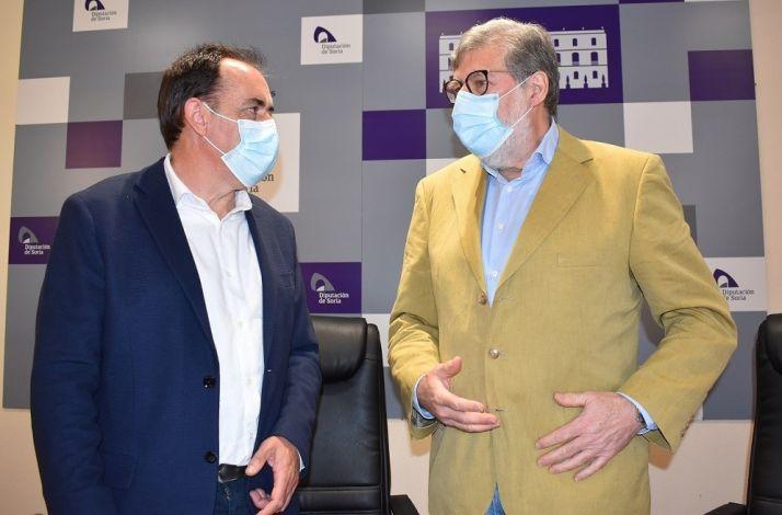 Benito Serrano y Santiago Aparicio en la Diputación Provincial.