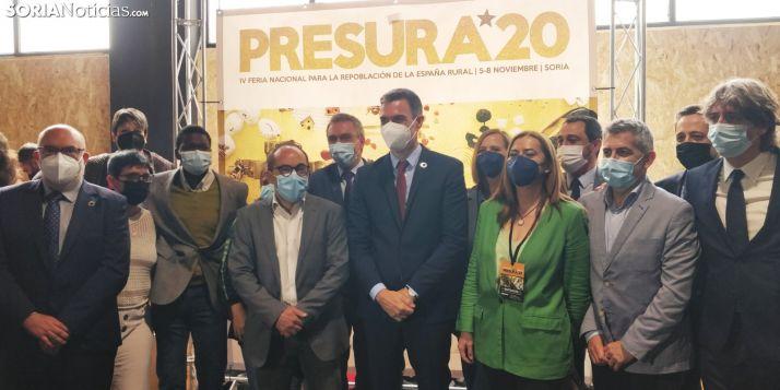 Foto de familia del PSOE en Presura.