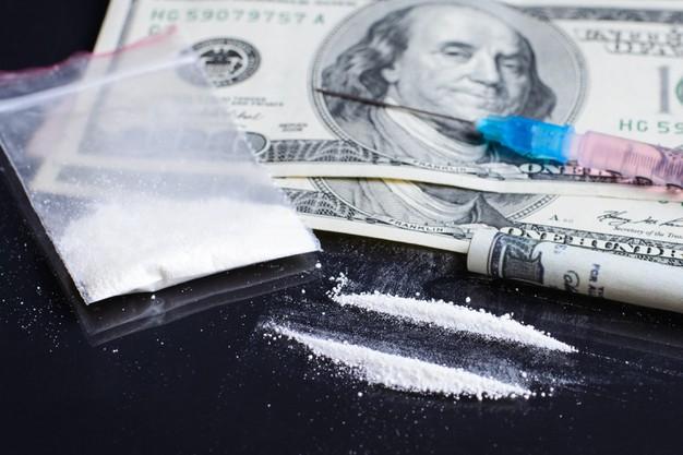 Foto 1 - Condenados a año y medio de cárcel por traficar con marihuana y cocaína