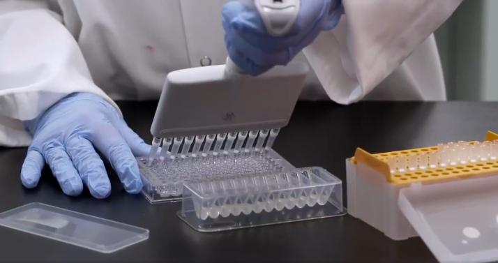 Foto 1 - Sanidad acuerda poner la segunda dosis de Pfizer a los menores de 60 vacunados con AstraZeneca