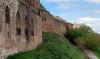 Una imagen de la muralla adnamantina.