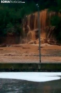 Una de las imágenes que deja la tormenta de este viernes en Berlanga de Duero. /SN