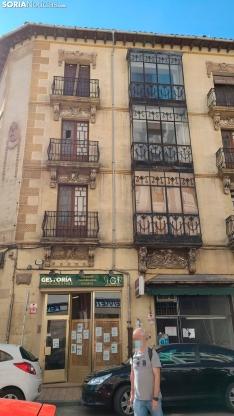 Foto 4 - Más cascotes, ahora en la avenida de Navarra