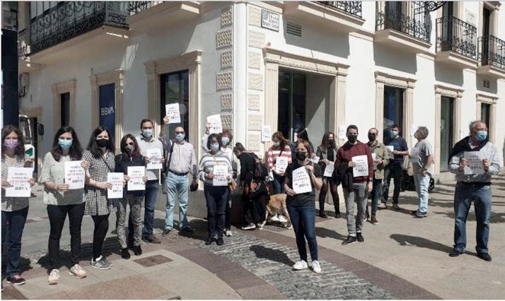 Imagen de la concentración de empleados de la entidad en la capital soriana. /UGT