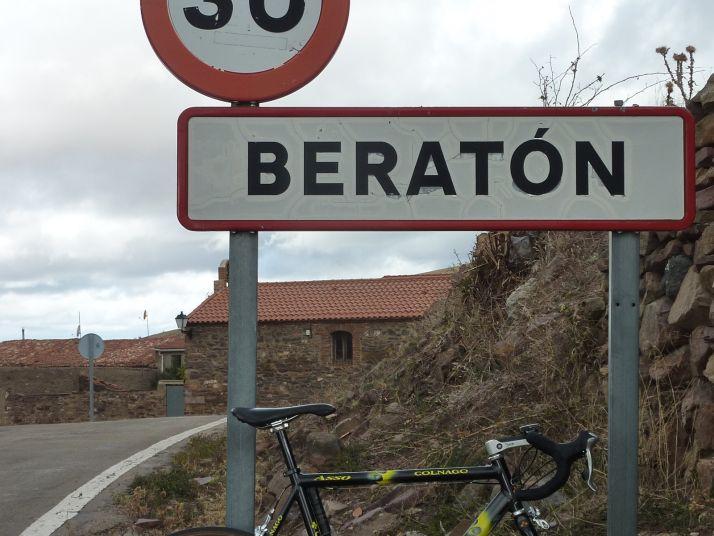 Acceso a Beratón. /José Miguel Roy