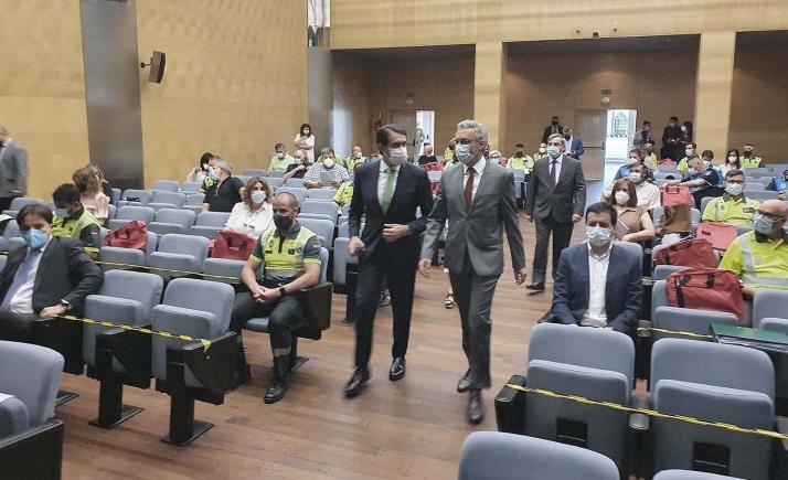 El consejero y el delegado gubernamental en la 'Jornada de coordinación y especialización en materia de inspección de transportes'. /Jta.