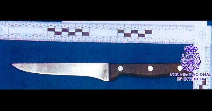 El cuchillo intervenido por agentes del CNP. /DdG