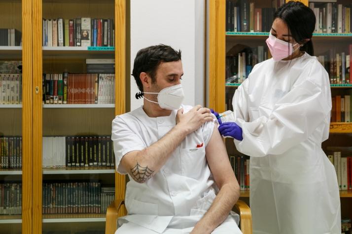 Foto 1 - Soria comienza a vacunar a los menores de 50 años