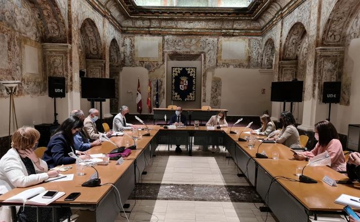 Reunión de la Junta con responsables de las Rutas del Vino. /Jta.
