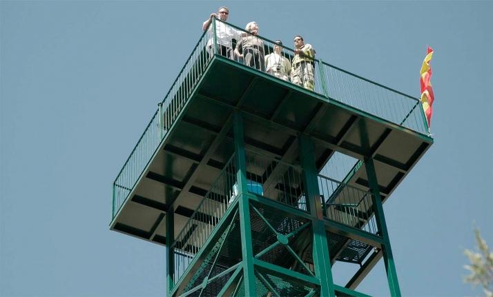 Una torre de vigilancia en la provincia, en una imagen de archivo. /Jta.